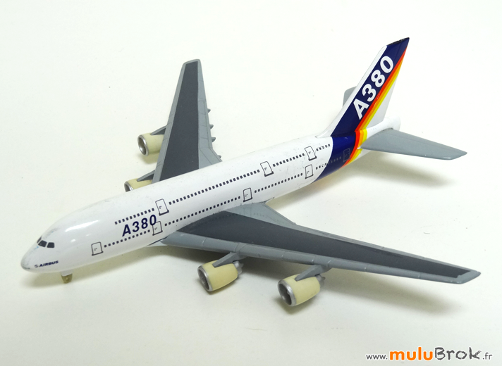 AVIONS-AIRBUS-A380-8-muluBrok-Collection-Vintage