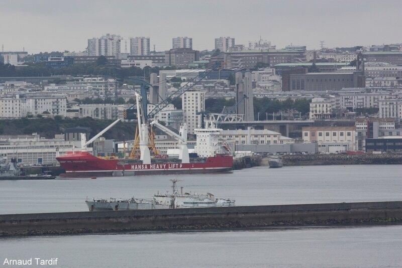 001219 Plomodiern - La Rade de Brest vue de la Pointe des Espagnols blog