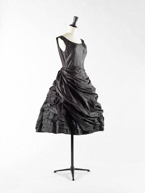 Balenciaga, Robe « Eisa » 1950, Taffetas de soie noir drapé et bouillonné