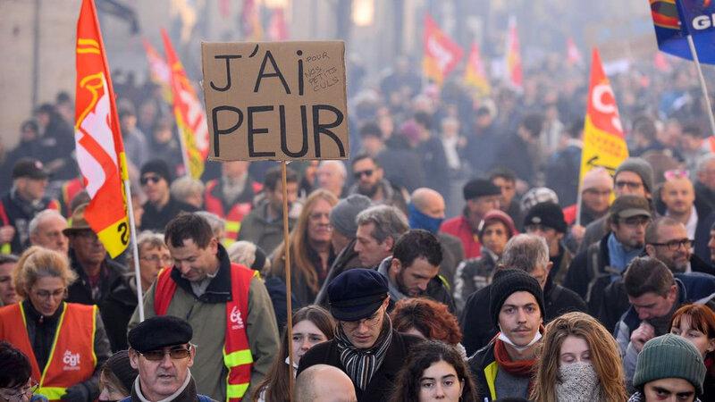 la-manifestation-contre-la-reforme-des-retraites-le-5-decembre-2019-a-bordeaux_6236562