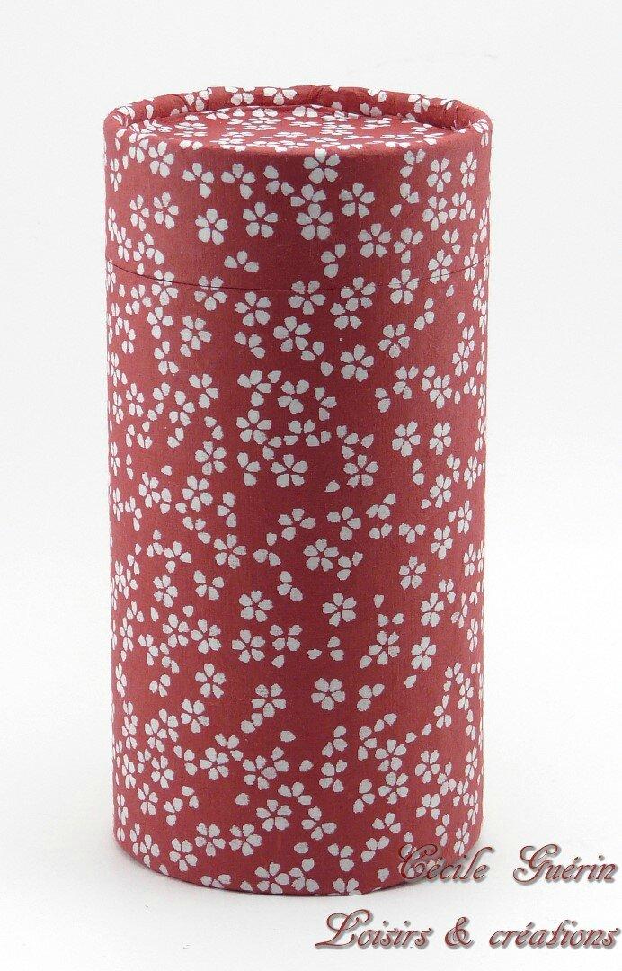 Boîte à thé cylindrique rouge