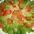 Salade césar aux roses de saumon fumé