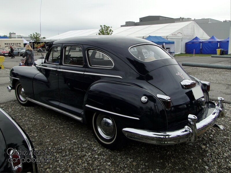 chrysler-windsor-4door-sedan-1946-1948-2