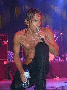 2010_04_Iggy_And_The_Stooges_091