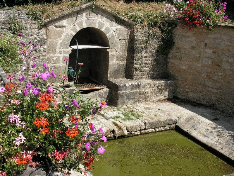 Pendant la canicule la fontaine du hameau ne coulait plus