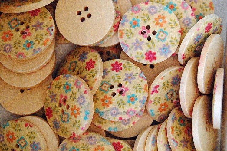 22_boutons_bois_fleurs_pastel