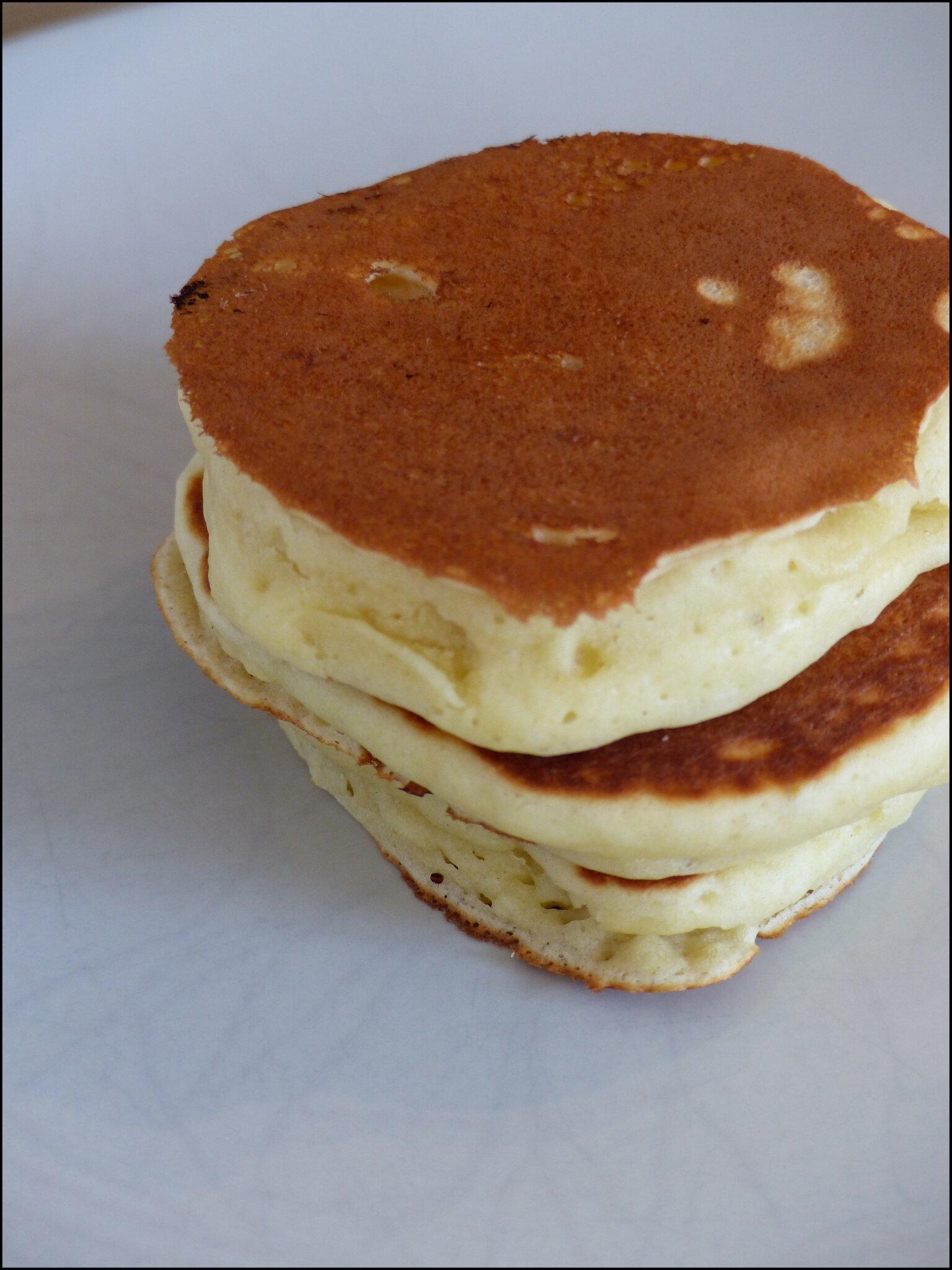Les Pancakes Parfaits Epais Moelleux Et Rapides A Preparer A
