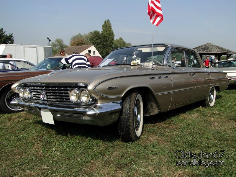 buick-invicta-sedan-1961-01