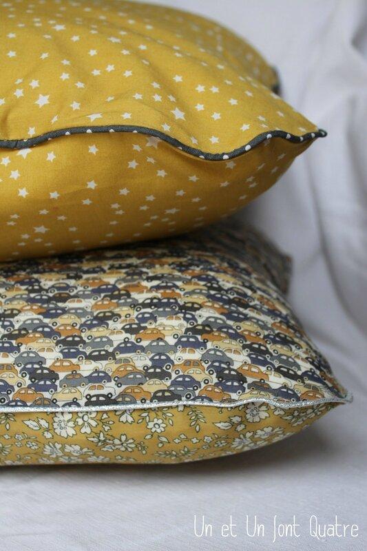 Coussins gris et moutarde (4)