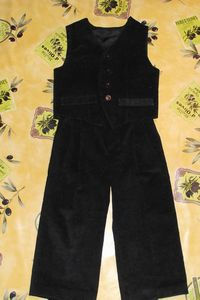 ensemble velours noir 4ans Burda 9781