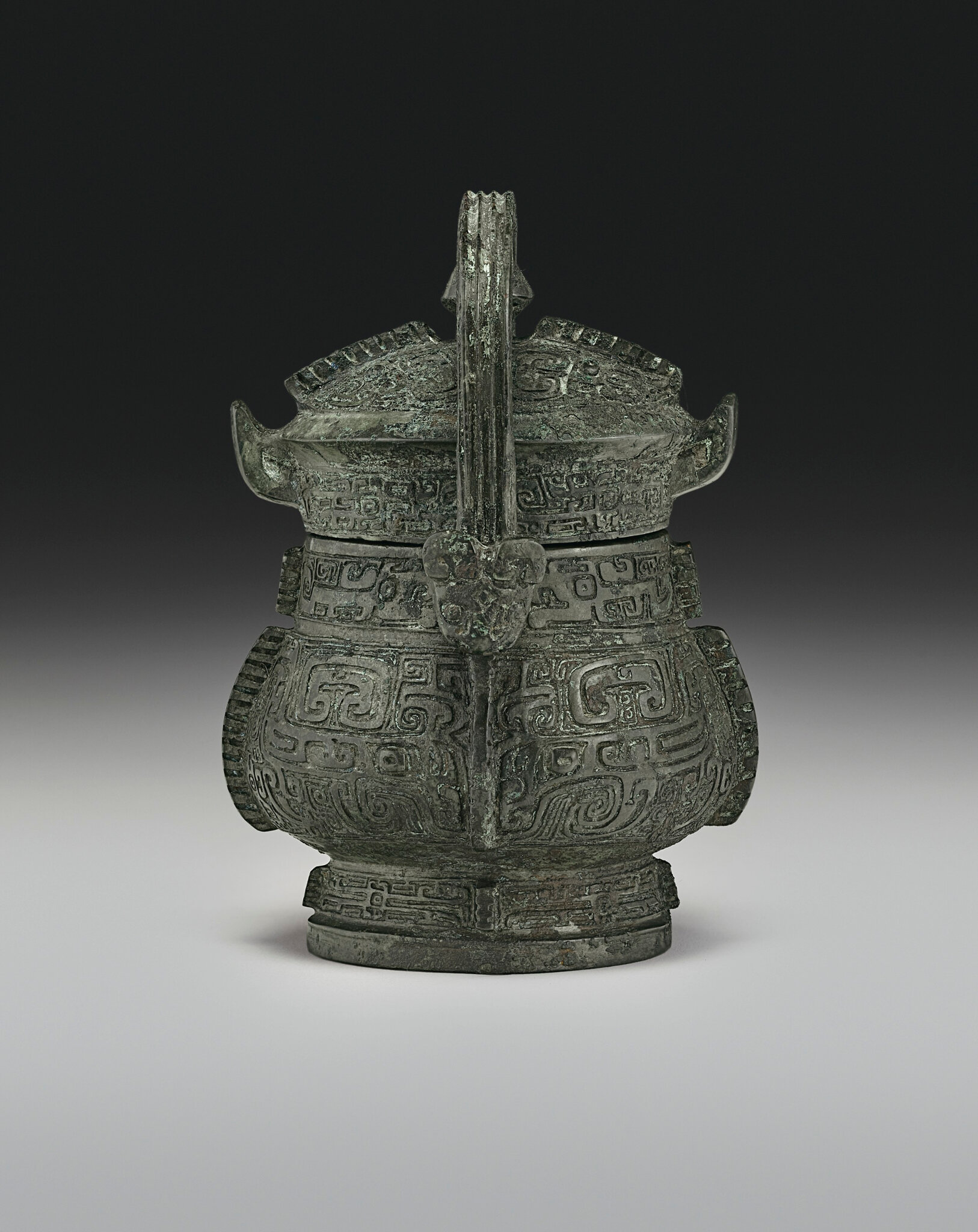 2019_NYR_16950_0806_002(a_very_rare_miniature_bronze_ritual_wine_vessel_and_cover_you_late_sha)