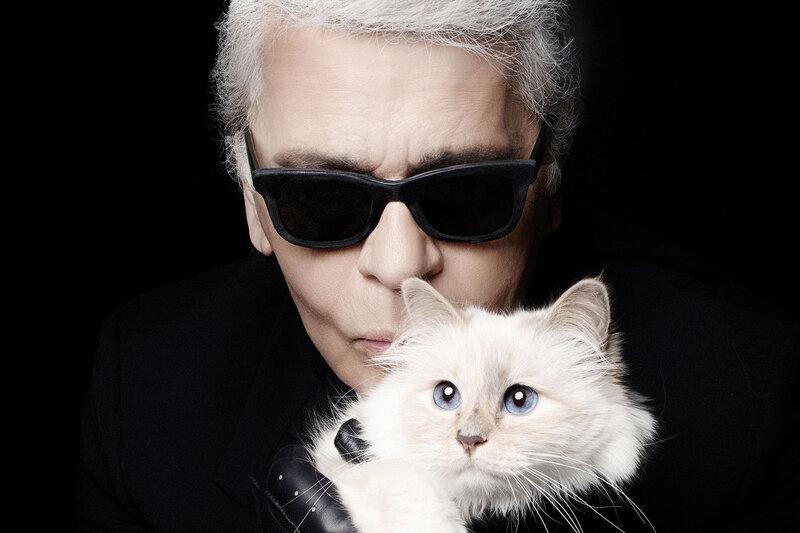 Avec son chat choupette
