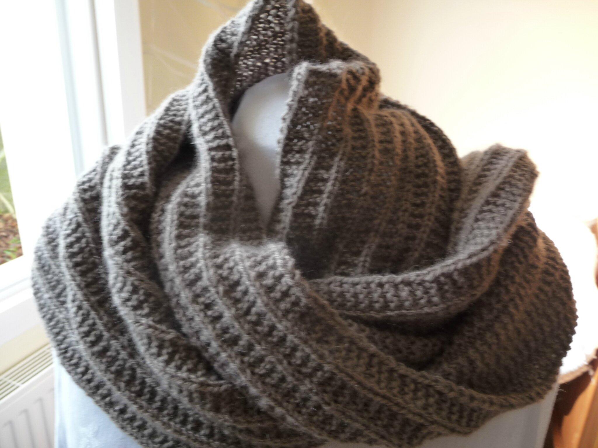 bf52165dfaf19 Une écharpe toute douce en laine alpaga couleur terre.... - La Malle ...