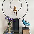 Sculptures balançoire et femme en raku, à londres