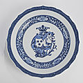 A blue and white porcelain armorial charger, qianlong period (1736-1795)