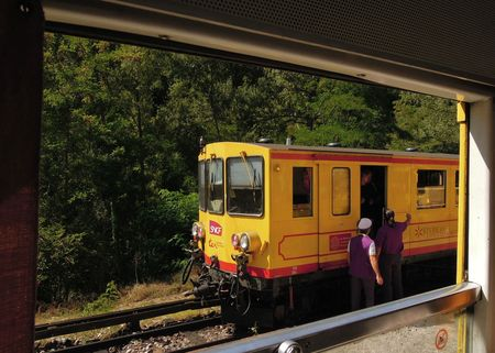 Ti train jaune 187