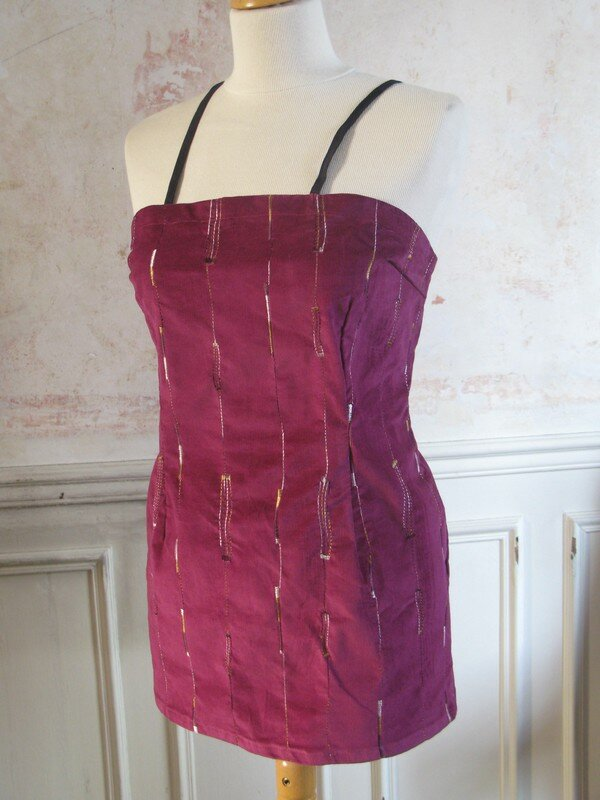 robe tablier velours brodé