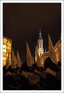 Saragosse_procession_cagoules_tambour_310310_039