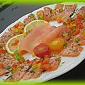 Carpaccio de saumon, saumon fumé et poirvrons...