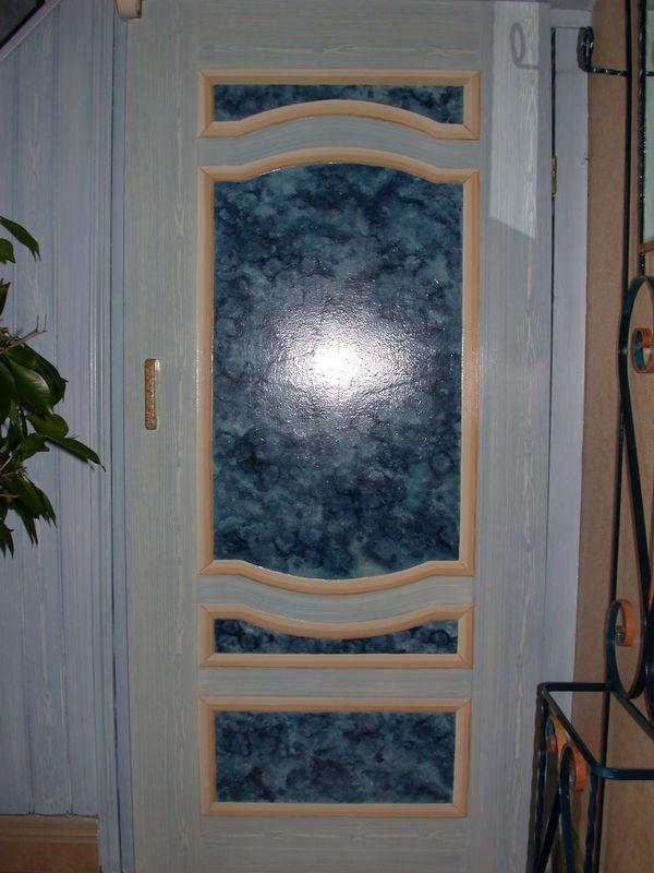 D coration d 39 une porte de placard d coration int rieur for Decoration de porte interieur