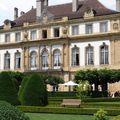y Le colloque de sociolinguistique historique de Neuchâtel