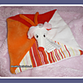 Doudou plat carré souris happy horse blanc rouge orange