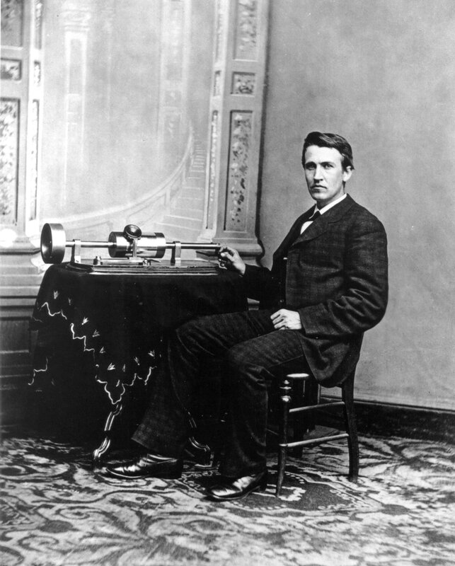 05 B Edison-and-tinfoil-phonograph