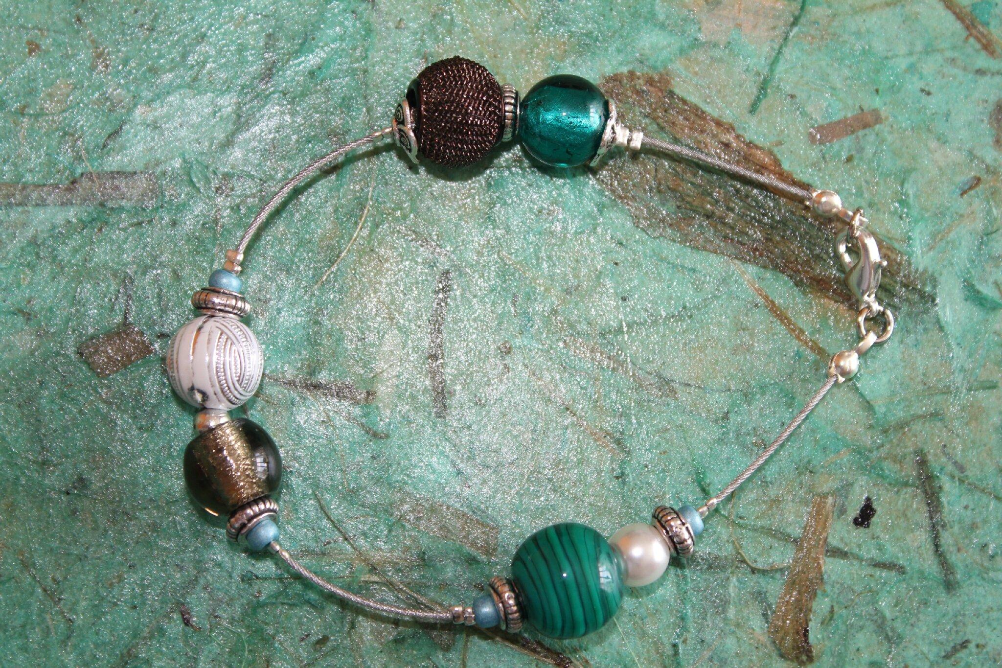 Bracelet 23 cm pas pour les petits poignets ... D'autres à venir et d'autres disponibles !