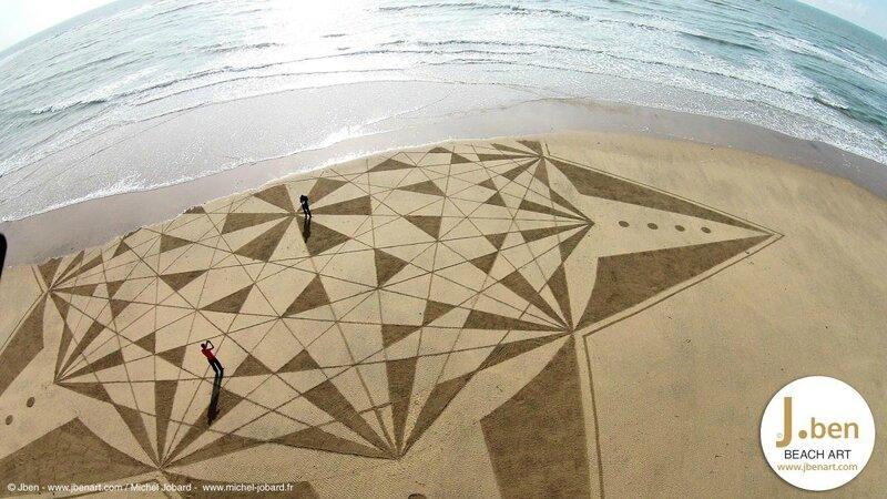 beach-art-5466503688c18