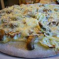 Pizza poulet moutardé champignons
