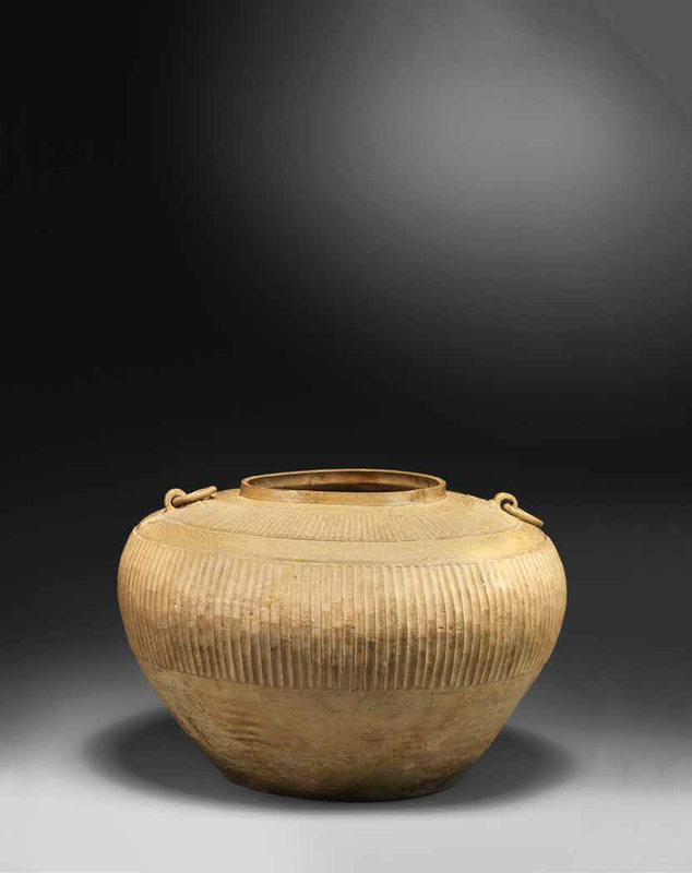 A large green-glazed pottery jar, Warring States Period (475-221 BC)