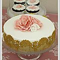 gateau mariage blanc or dentelles wedding chateau des barrenques 5