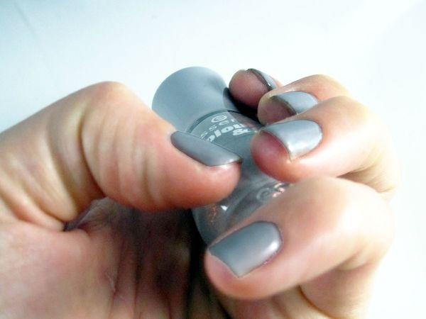 essence grey 1