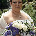 Parure de bijoux mariage original et fin : avec perles de nacre ivoire et perles mauves