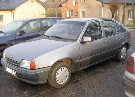 800px-Opel_Kadett_E_1991