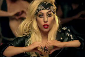lady_gaga_judas_590_lm050911_4
