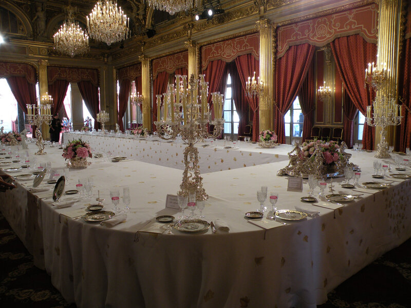Elysée table