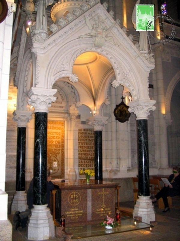 Basilique de St Laurent sur Sèvre, tombeau du P. de Montfort