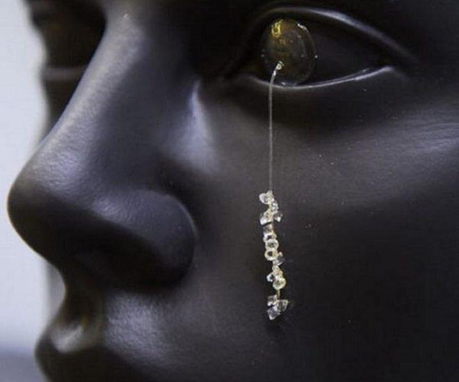 Eric-Klarenbeek-Eye-Jewellery-Project-lens-660x550