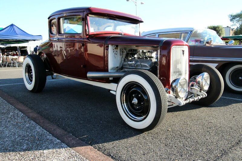 Hot-rod Ford