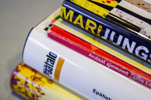 Plus de couverture en plastique pour protéger les livres