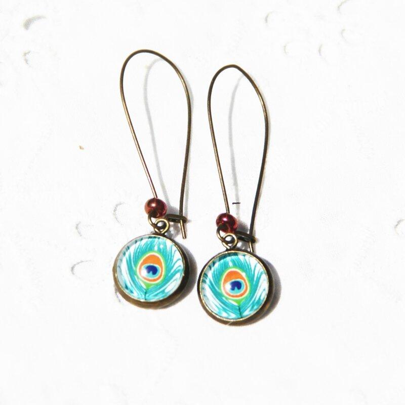 jacquie 13 boucles d'oreille dormeuses longuescabochon plume de paon vertes bijoux colorés louise indigo (6)