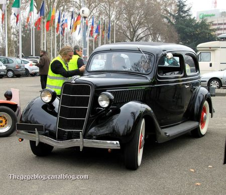 Ford tudor sedan V8 flatheaad de 1935 (Retrorencard mars 2012) 01