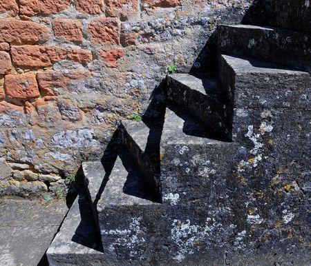 Escaliers_marche_triangulaire_bis_redim1600