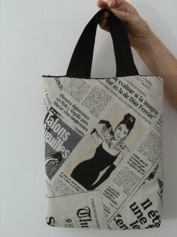 garantie de haute qualité détaillant en ligne haut fonctionnaire Sac à mains en toile imprimé journal - L'Atelier d'Eliane