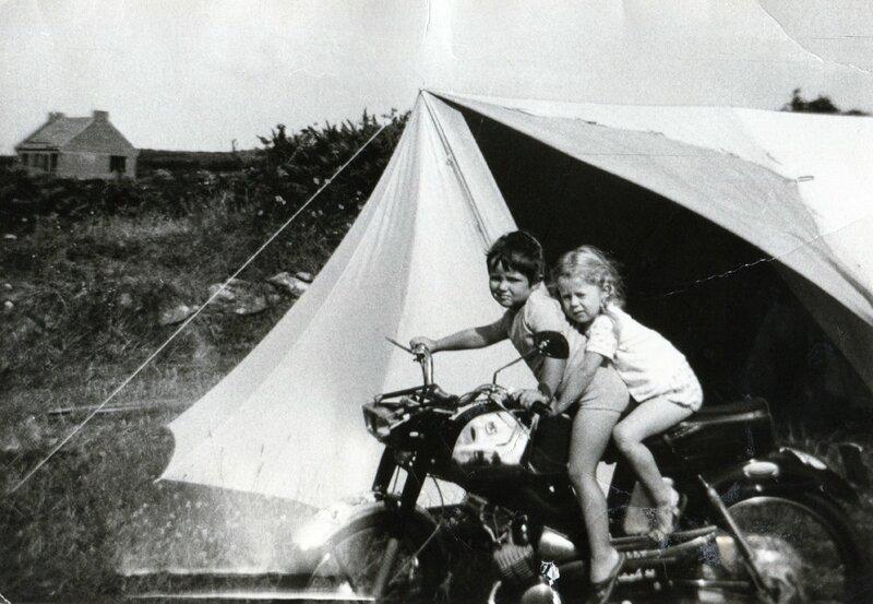 1968 août - Lilia - Isabelle Simon et Christine Lescène