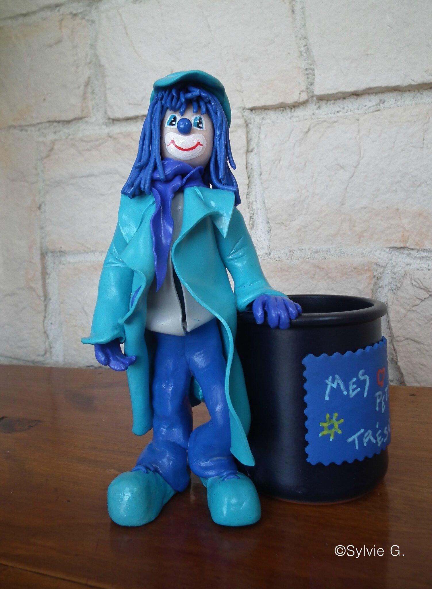 Le clown bleu -mes petits trésors- (1a)