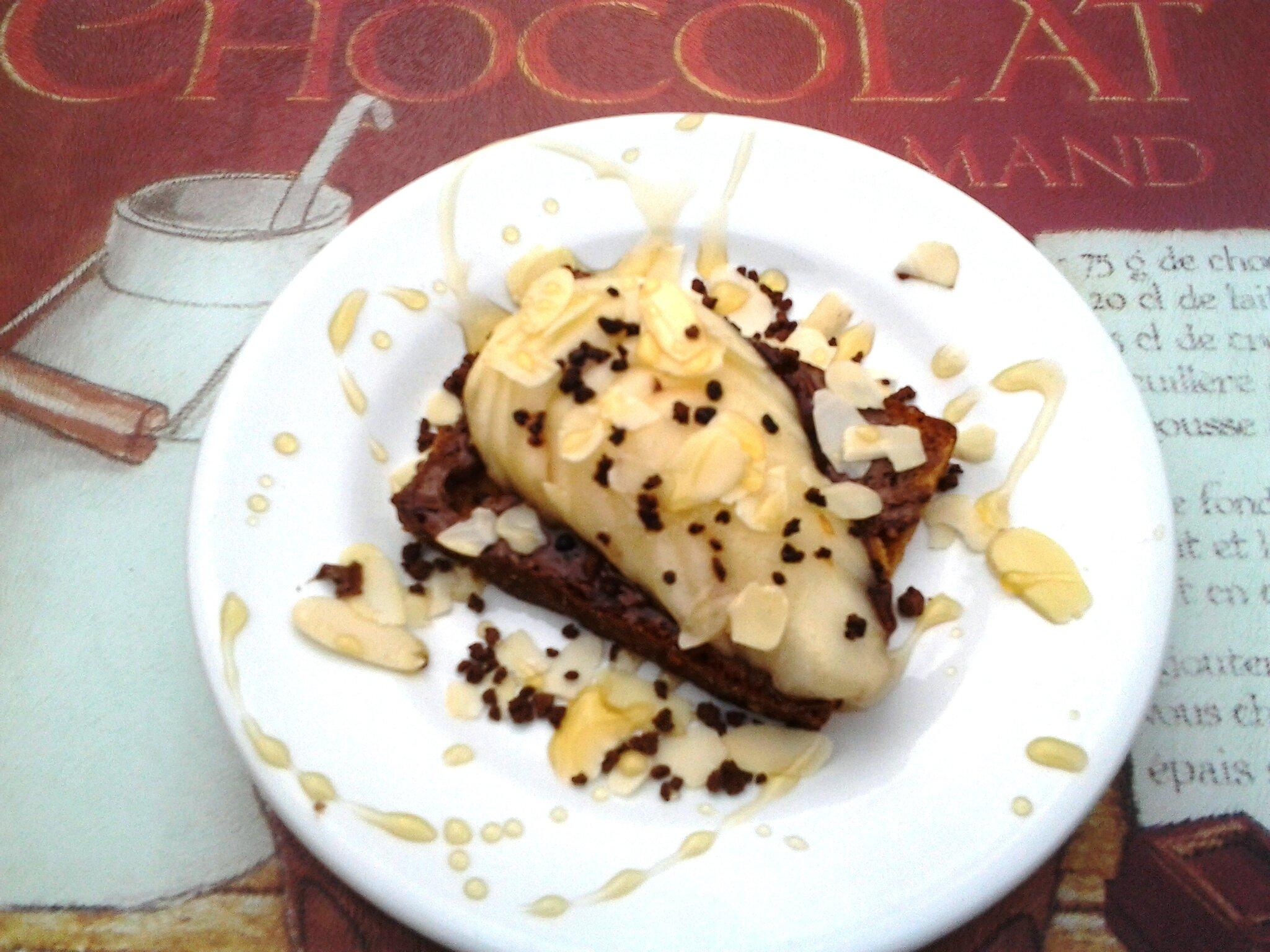 Tartine en pain d'épice, chocolat et poire