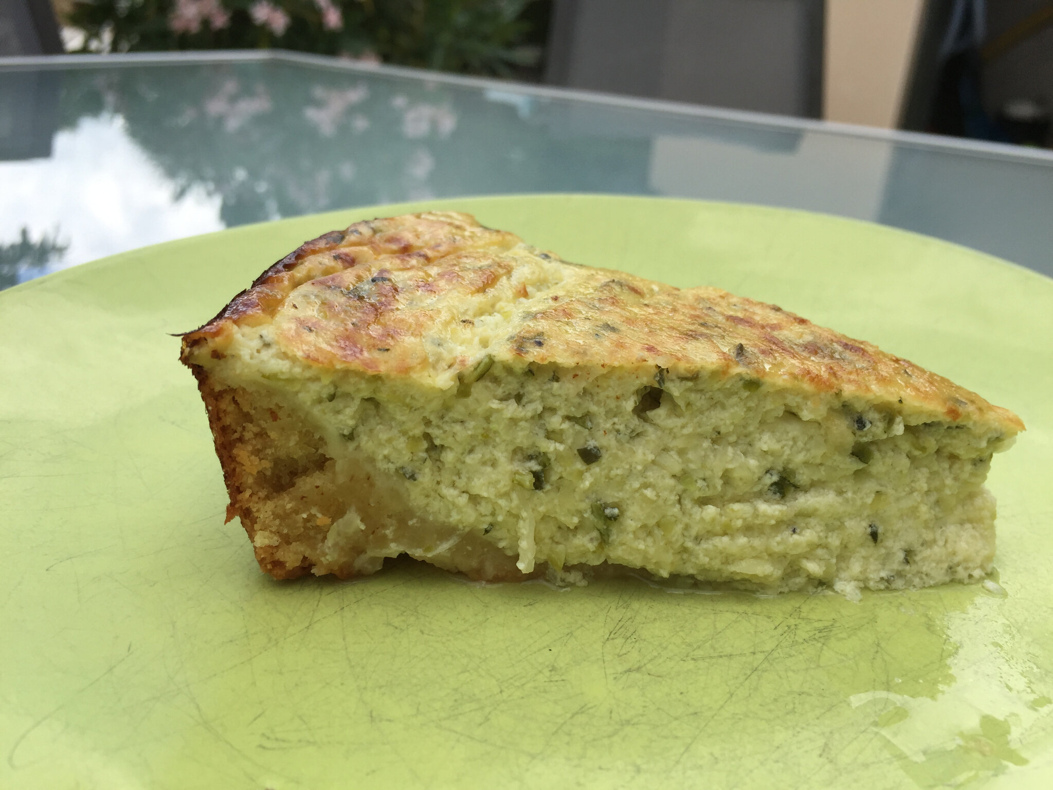 Tarte courgettes et fromage ail et fines herbes