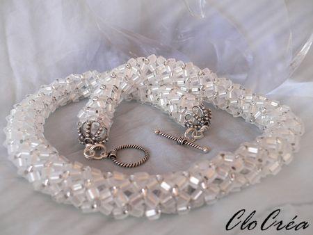 Flat_tubular_netted_necklace_ice_3